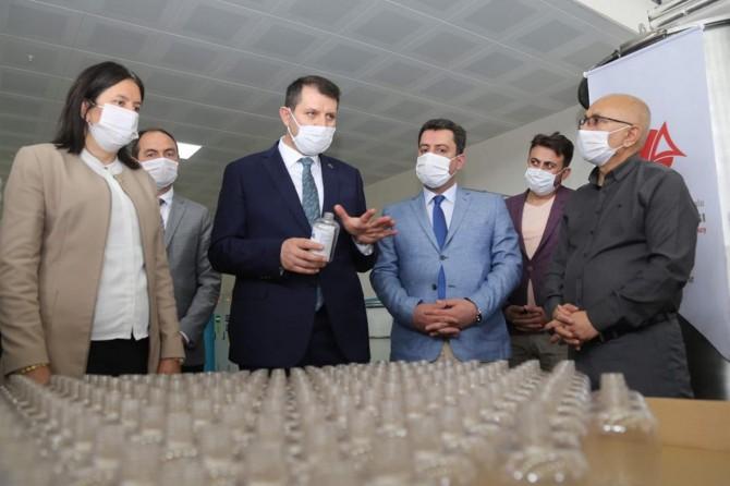Sivas Meslek Teknik Anadolu Lisesi dezenfekten üretimine başladı