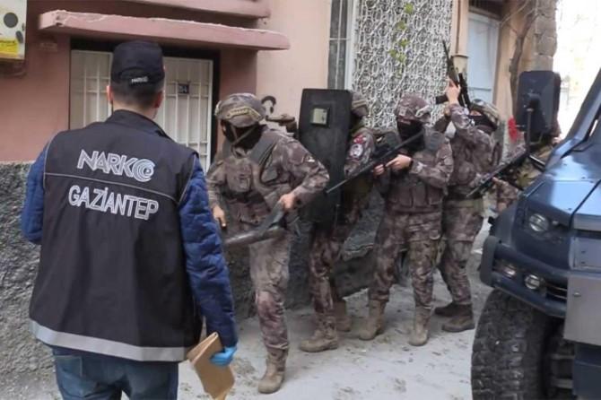 Gaziantep'te uyuşturucu satıcılarına operasyon: 20 gözaltı