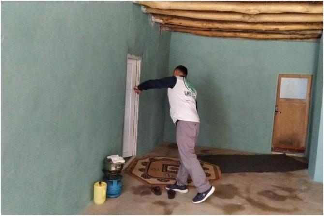 Doğubayazıt Umut Kervanı yağıştan dolayı çöken evi onardı