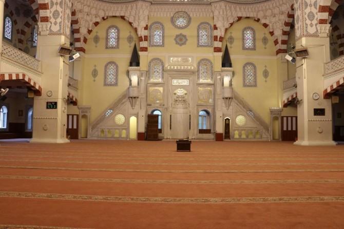 Camiler bu bayram Covid-19 salgını nedeniyle cemaatsiz kaldı