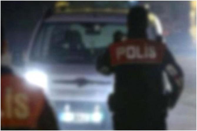 Ankara'da polis uygulama noktasına araç daldı yaralılar var