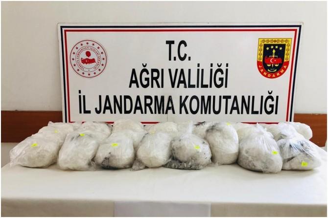 Doğubayazıt'da 30 kilo uyuşturucu ele geçirildi