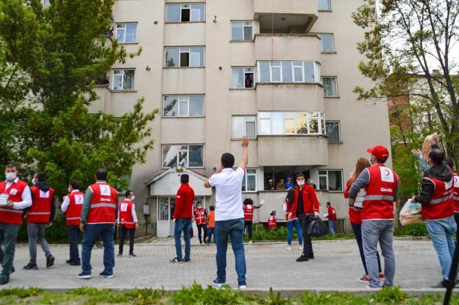 Kızılay Ağrı Şubesi vatandaşların ihtiyacını karşıladı