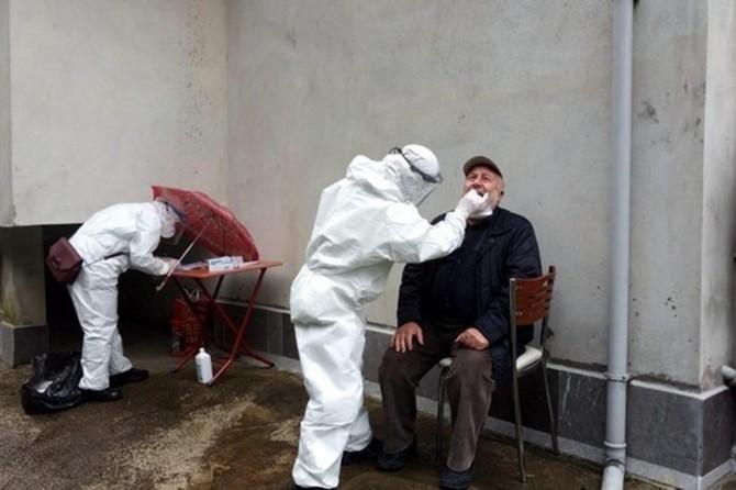 Rize'ye giden 6 bin 420 çay üreticisine Covid-19 testi yapıldı