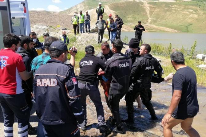 Muş'ta göle düşen operatörün cansız bedenine ulaşıldı