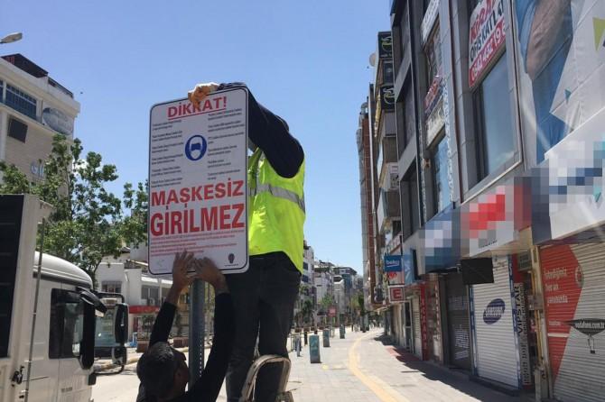 Van'ın yoğun olarak kullanılan caddelerine uyarı levhaları asıldı