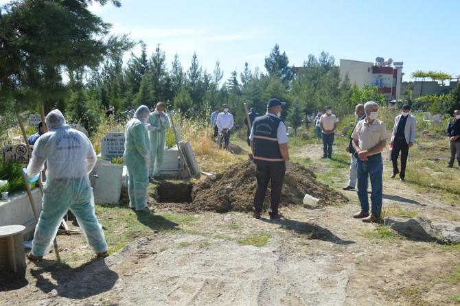Siirt'te Covid-19'dan vefat eden market çalışına toprağa verildi