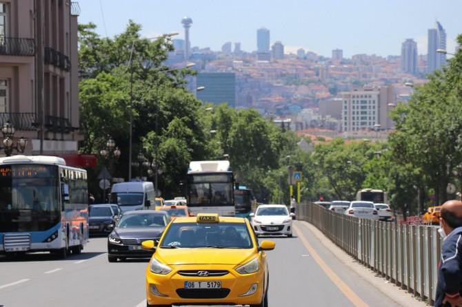 Ankara'da hayat normale döndü, hareketlilik başladı