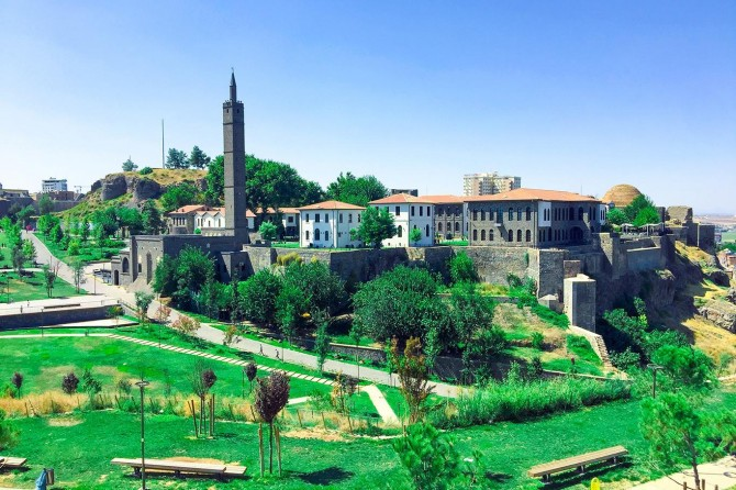 The 1381st anniversary of the conquest of Diyarbakır by Muslims