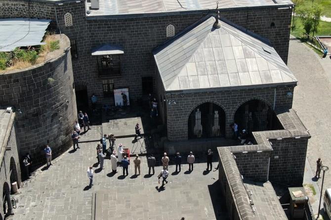 Diyarbakır fatihleri kabirleri başında anıldı