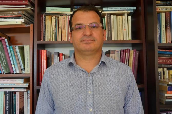 """Doç. Dr. Bozan: """"Diyarbakır, fetihten sonra özgürlükle tanıştı"""""""