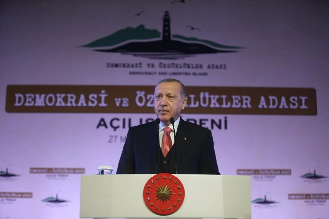 """Democracy and Freedoms Island will be sign of our country's struggle for independence"""