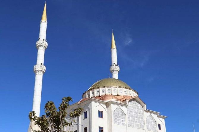Van'da Cuma namazı kılınacak alan ve camilerin listesi yayınlandı