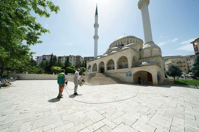 Malatya'da uzun bir aranın ardından cemaatle buluşacak camilerde temizlik seferberliği