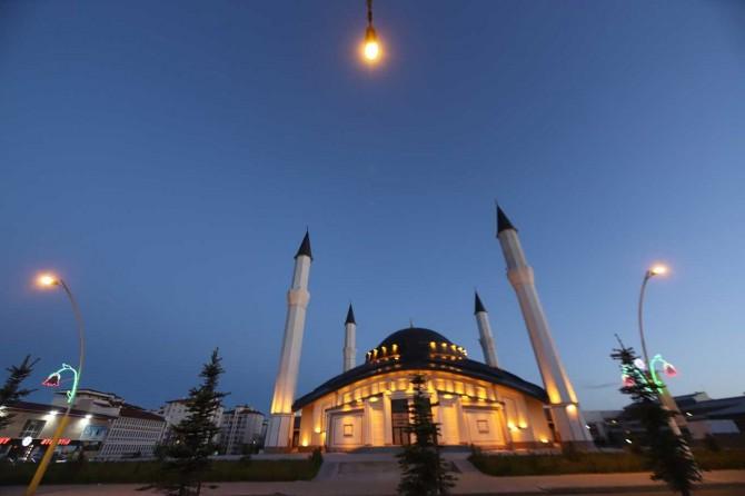 Ağrı'da 176 camide Cuma namazı kılınacak
