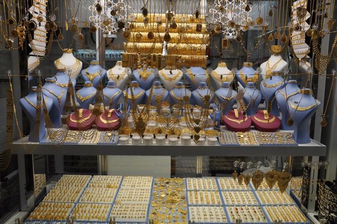 Kuyumcular altın fiyatlarındaki dalgalanmadan memnun değil