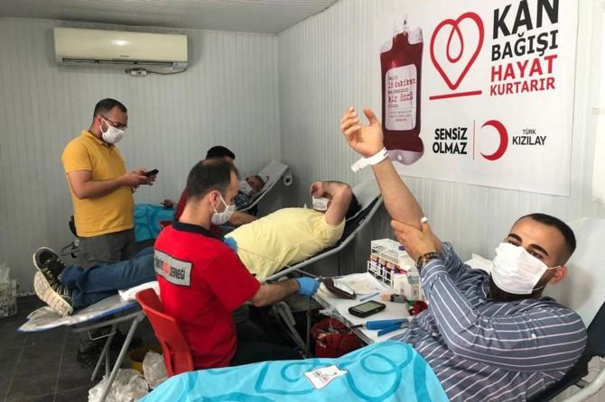 Kızılay'ın acil kan bağışı çağrısına farklı meslek gruplarından destek geldi