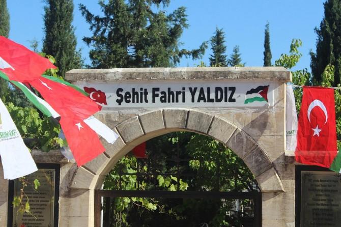 Mavi Marmara şehidi Fahri Yaldız, mezarı başında anıldı