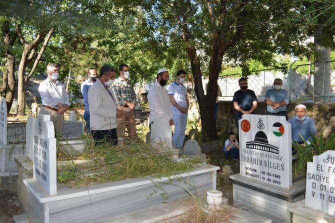 Mavi Marmara şehidi İbrahim Bilgen mezarı başında yâd edildi