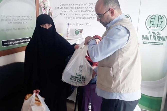 Bingöl Umut Kervanı, bin 111 aileye yardım ulaştırdı