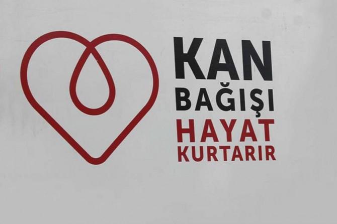 Bağlar Belediyesi çalışanlarından Kızılay'a kan bağışı
