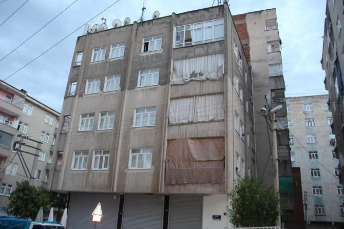 Diyarbakır Bağlar'da bir bina Coronavirus nedeniyle karantinaya alındı