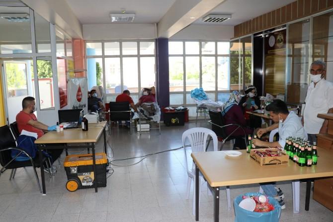 Malatya'da imam hatip okullarından Kızılay'ın kan bağışı kampanyasına destek