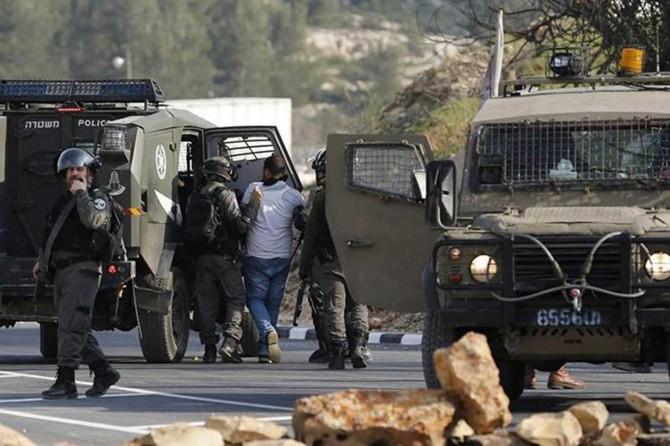 Siyonist işgalciler şafak baskınlarıyla 15 Filistinliyi esir aldı