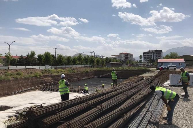 Van'da yapımı devam eden inşaatlarda iş sağlığı ve güvenliği denetimi yapılıyor