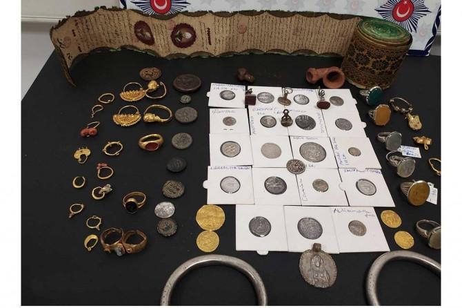 Midyat'ta çok sayıda tarihi eser ele geçirildi