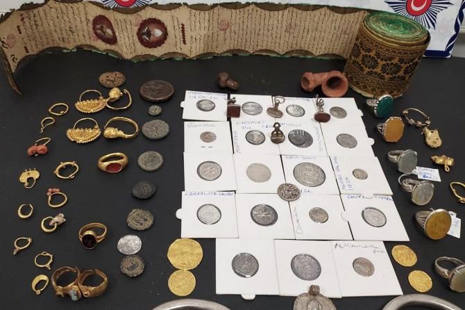 Mardin'de ele geçirilen tarihi eserlerin piyasa değerinin 5 milyon TL olduğu öğrenildi