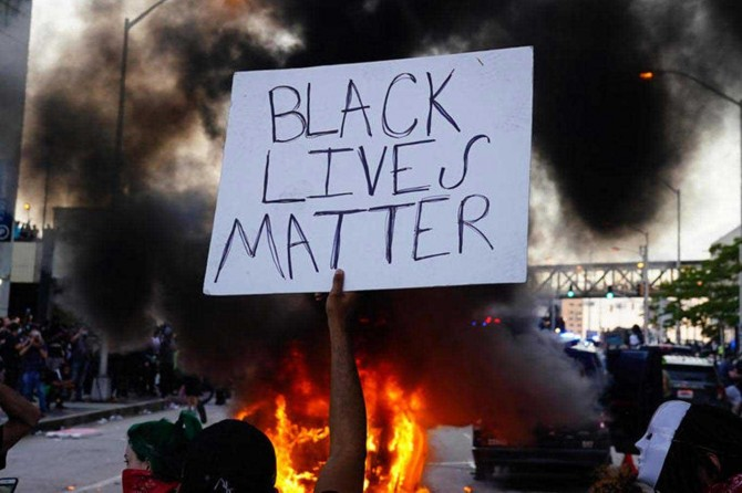 ABD'deki gösteriler sokağa çıkma yasağına rağmen sürüyor