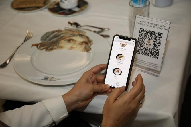 Gaziantep'te restoranlarda karekod menü uygulaması dönemi başlıyor