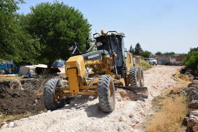 Viranşehir Toklu mahallesinde stabilize yol çalışması devam ediyor
