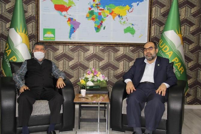 Sur mağdurları HÜDA PAR Diyarbakır İl Başkanı Aktaş'ı ziyaret etti