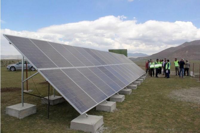 Van'da hayvan içme suyu için enerji panelleri kuruluyor