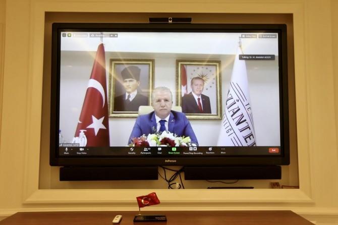 Gaziantep Valisi Gül, YKS'ye girecek öğrencilerle görüştü