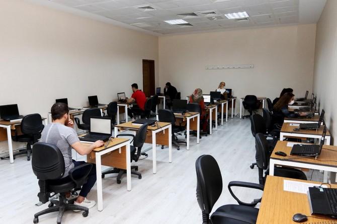 Ağrı İbrahim Çeçen Üniversitesinden sınavlar için üniversite öğrencilerine dijital destek