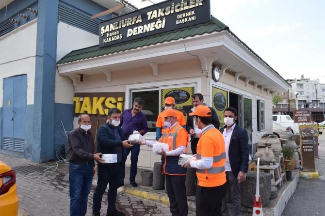 Şanlıurfa Valiliği 2 ayda 2 milyon 644 bin maske dağıttı