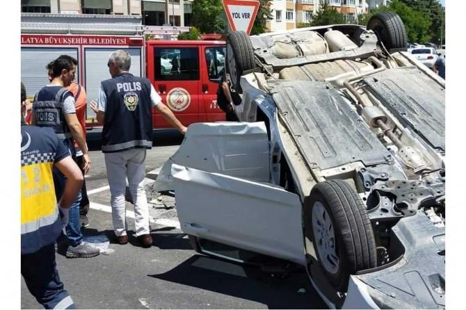 Yeşilyurt'ta trafik kazasında 3 kişi yaralandı