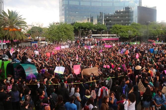 ABD'de George Floyd'un ölmesiyle başlayan gösteriler Meksika'ya sıçradı