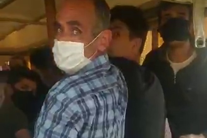 Gaziantep'te uygulama noktasında durdurulan araçtan 24 kişi çıktı
