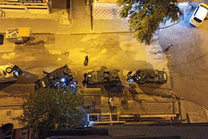 Diyarbakır Şehitlik'te alkol alıp yüksek sesle müzik dinleyen 24 kişiye 66 bin TL ceza kesildi