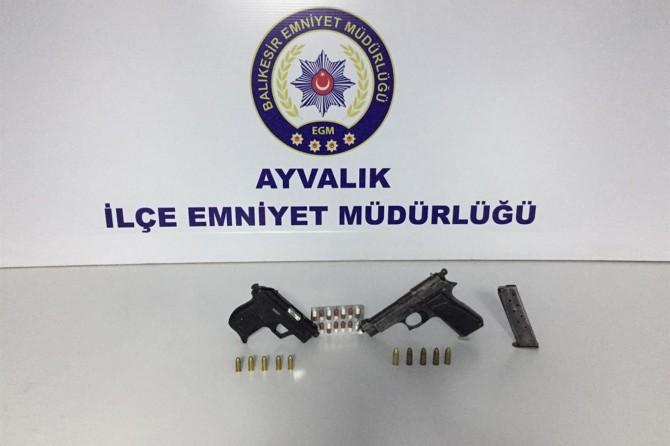 Balıkesir'de 107 ruhsatsız silah ele geçirildi