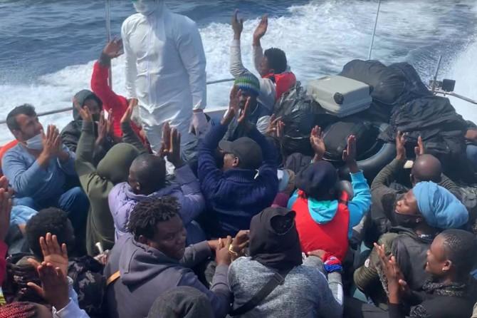 Sahil Güvenlik Komutanlığı: Çanakkale açıklarında 47 düzensiz göçmen kurtarıldı