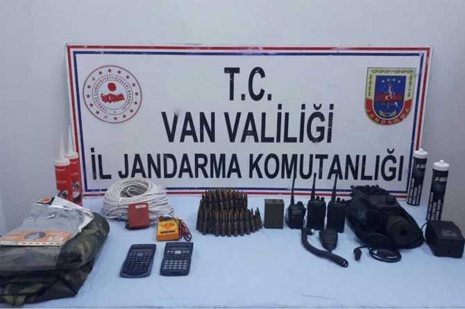 Başkale'de PKK'ye yönelik gerçekleştirilen operasyonda mühimmat ele geçirildi