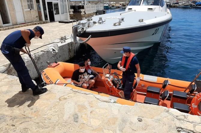 Sahil Güvenlik Komutanlığı: Antalya açıklarında 2 düzensiz göçmen kurtarıldı