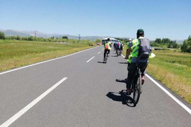 Ağrı'da Sağlıklı yaşama pedal çevir bisiklet etkinliği düzenlendi