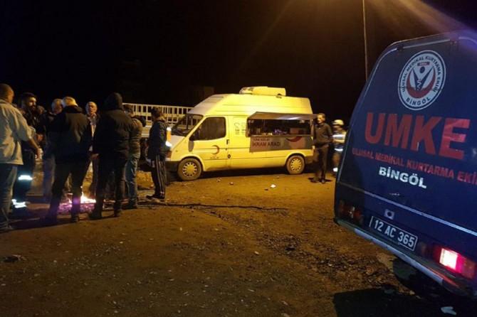 Kızılay deprem bölgesinde sıcak yemek dağıtımına başladı