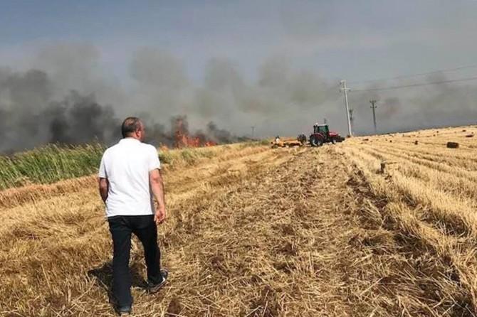 300 dönüm buğday tarlası yangında küle döndü